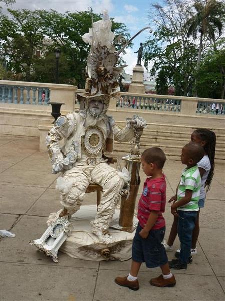 foto de estatuas vivientes
