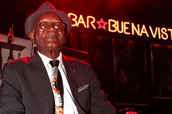 foto del cantante cubano Guillermo Rubalcaba