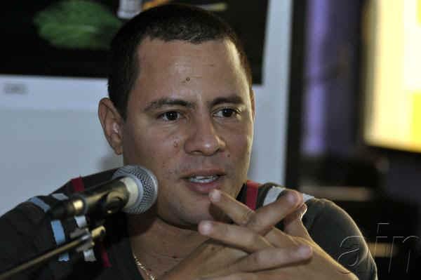 foto del cantante cubano israel rojas