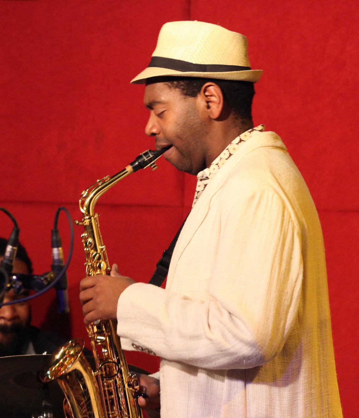 saxofonista cubano Yosvany Terry